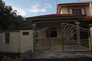 1-kluang-homestay-villa-300-x-200