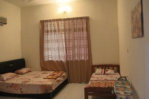 kluang homestay villa master bedroom