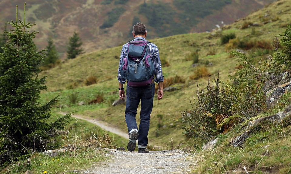 How to travel light tips for backpacking now